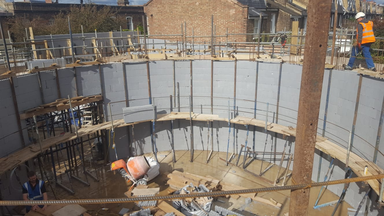 Curved ICF walls ready for concrete pour in Hammersmith